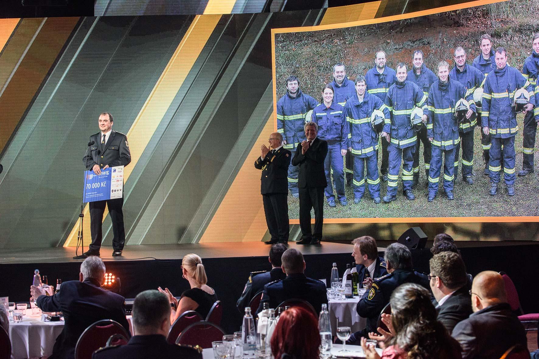 anketa-dobrovolni-hasici-roku-2015-vyhlaseni-vysledku-jsdh-nepomuk-proslov