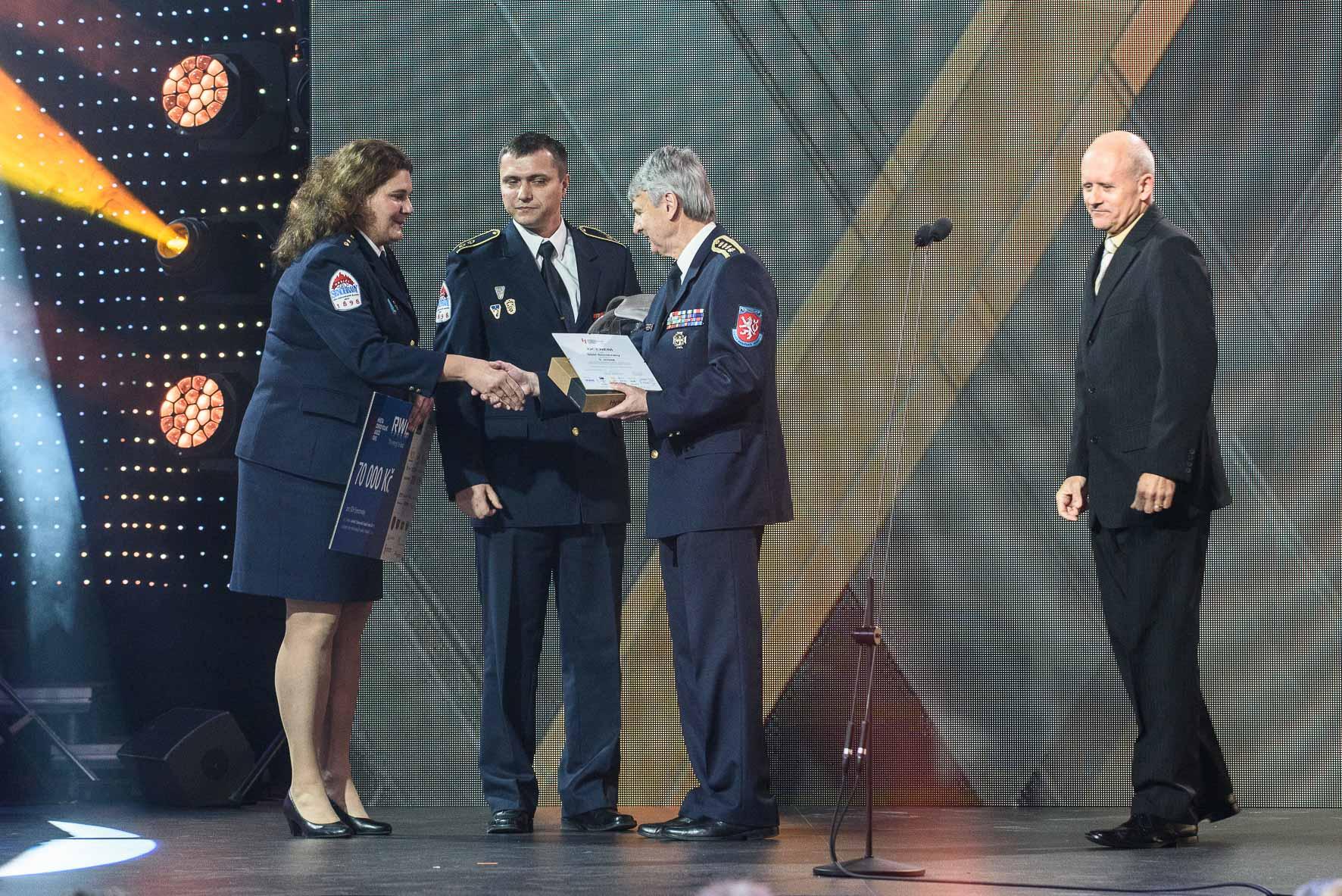 anketa-dobrovolni-hasici-roku-2015-vyhlaseni-vysledku-sdh-senohraby