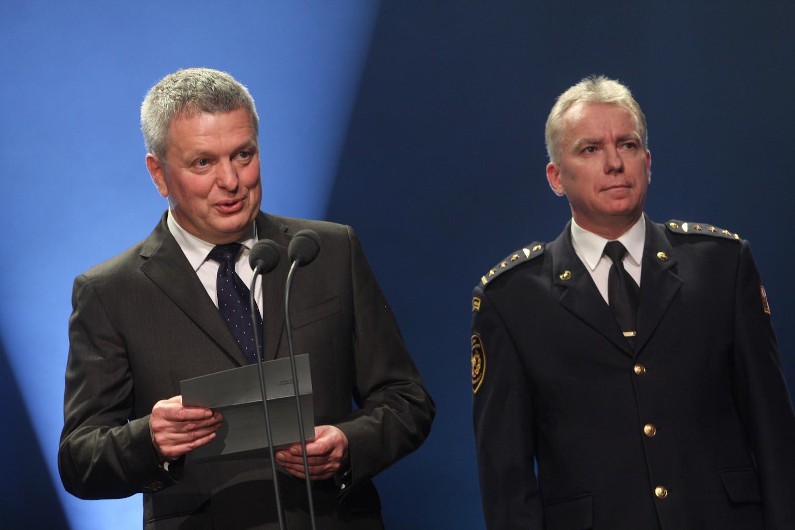 Pavel Káčer - RWE a Radim Kuchař - HZS ČR - vyhlášení výsledků ankety Dobrovolní hasiči roku 2014