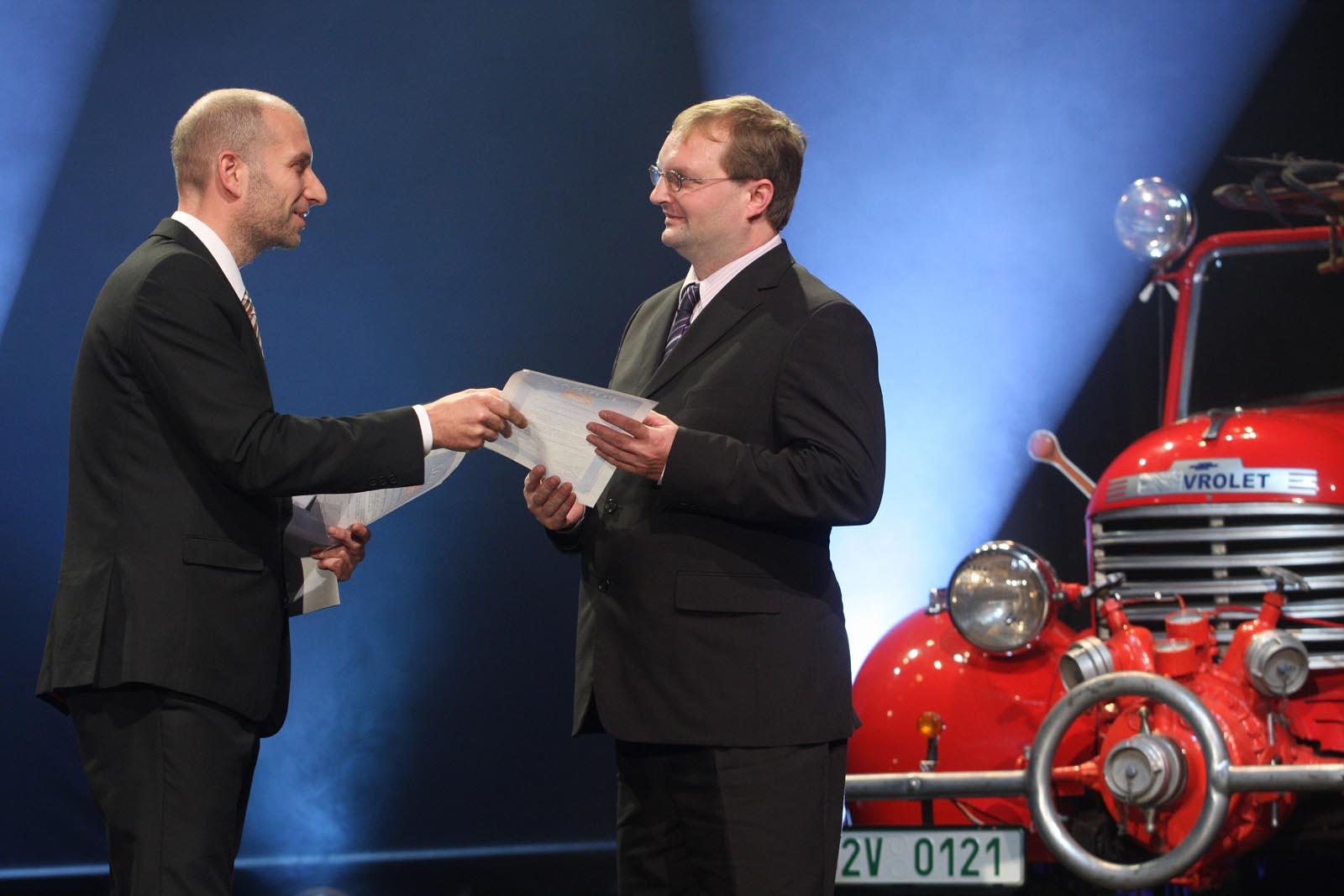Vítkovice Tours předávají pobyt za hlasování prostřednictvím webového formuláře - Ivan Nehera - vyhlášení výsledků ankety Dobrovolní hasiči roku 2014