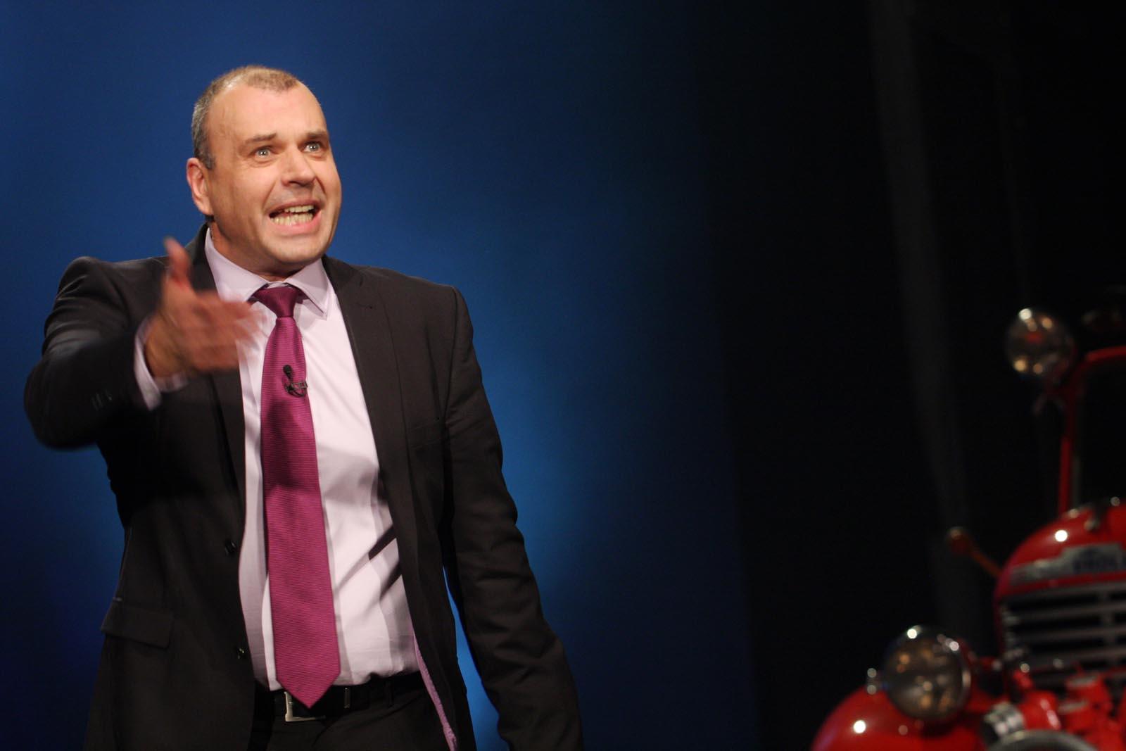 moderátor Petr Rychlý - vyhlášení výsledků ankety Dobrovolní hasiči roku 2014