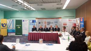 ADHR-tiskova-konference-4-9-2015-vyhlaseni-finalistu-slovo-odborne-poroty